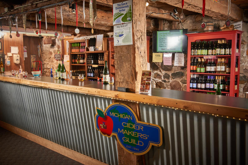 Tasting bar at Robinette's Apple Haus & Winery
