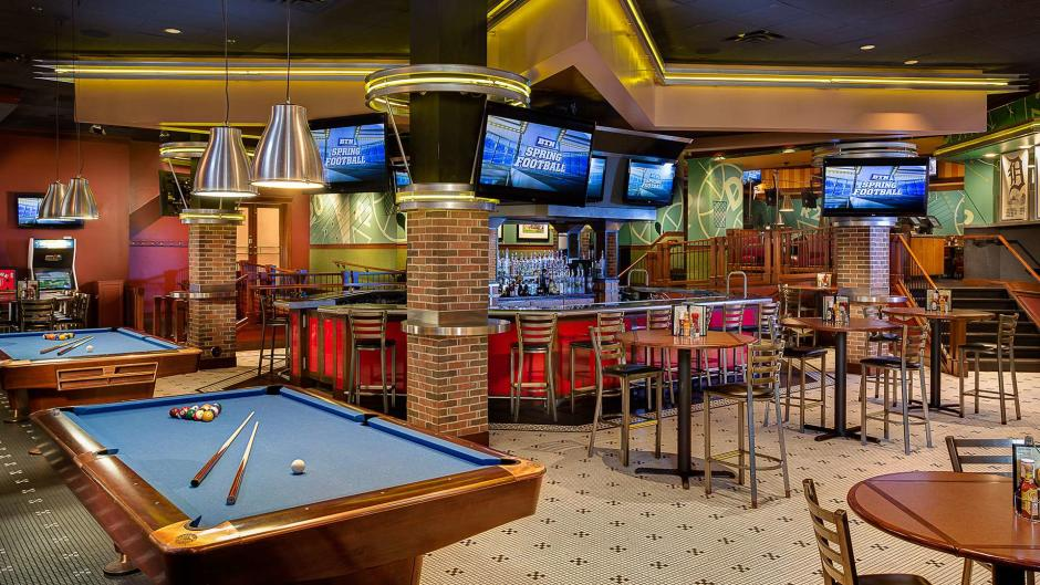 GP Sports within the Amway Grand Plaza provides an enjoyable, casual sports-watching spot in the heart of a beautiful four-star hotel.