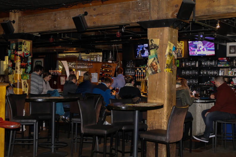 Sip on craft beer in B.O.B.'s Brewery's intimate, cozy space.
