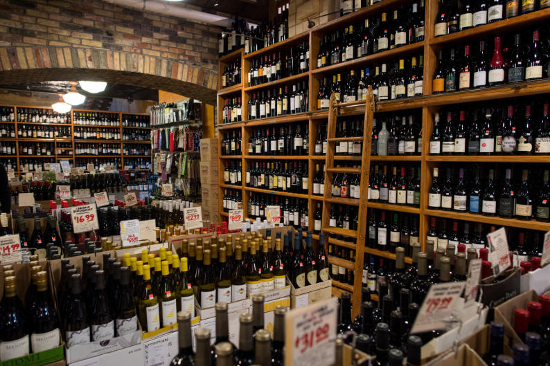 Martha's Vineyard offers deli items, handmade pizza, produce items, and a wide selection of beer and wine.