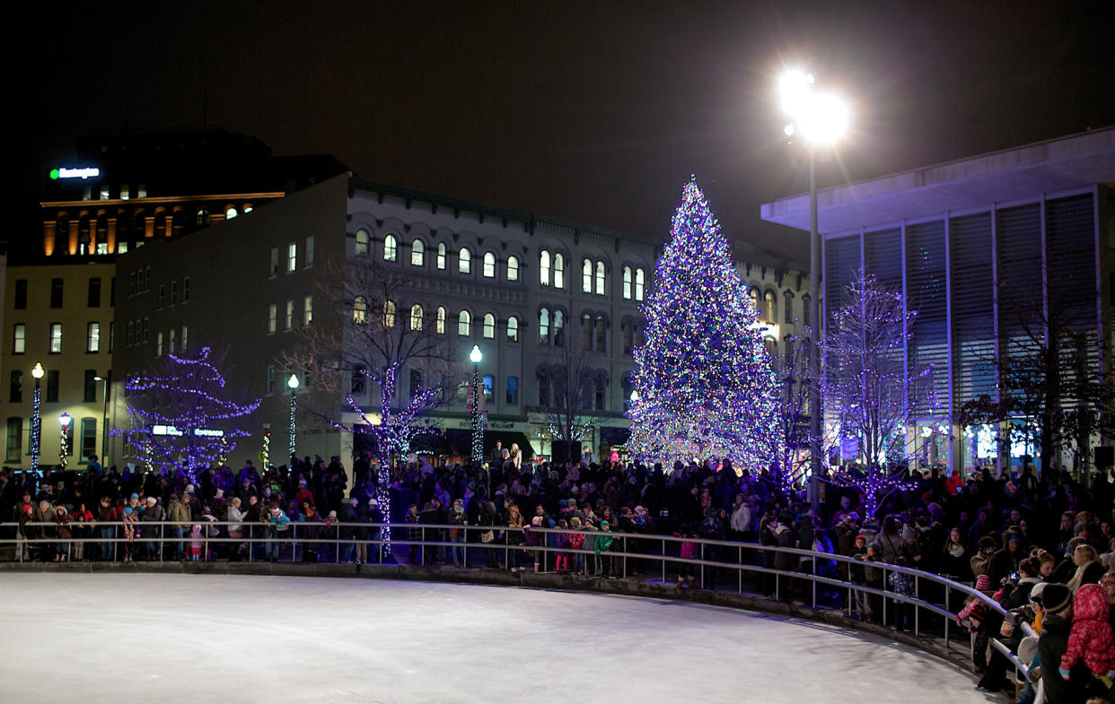 Enjoy the gorgeous holiday glow as you ice-skate at Rosa Parks Circle.