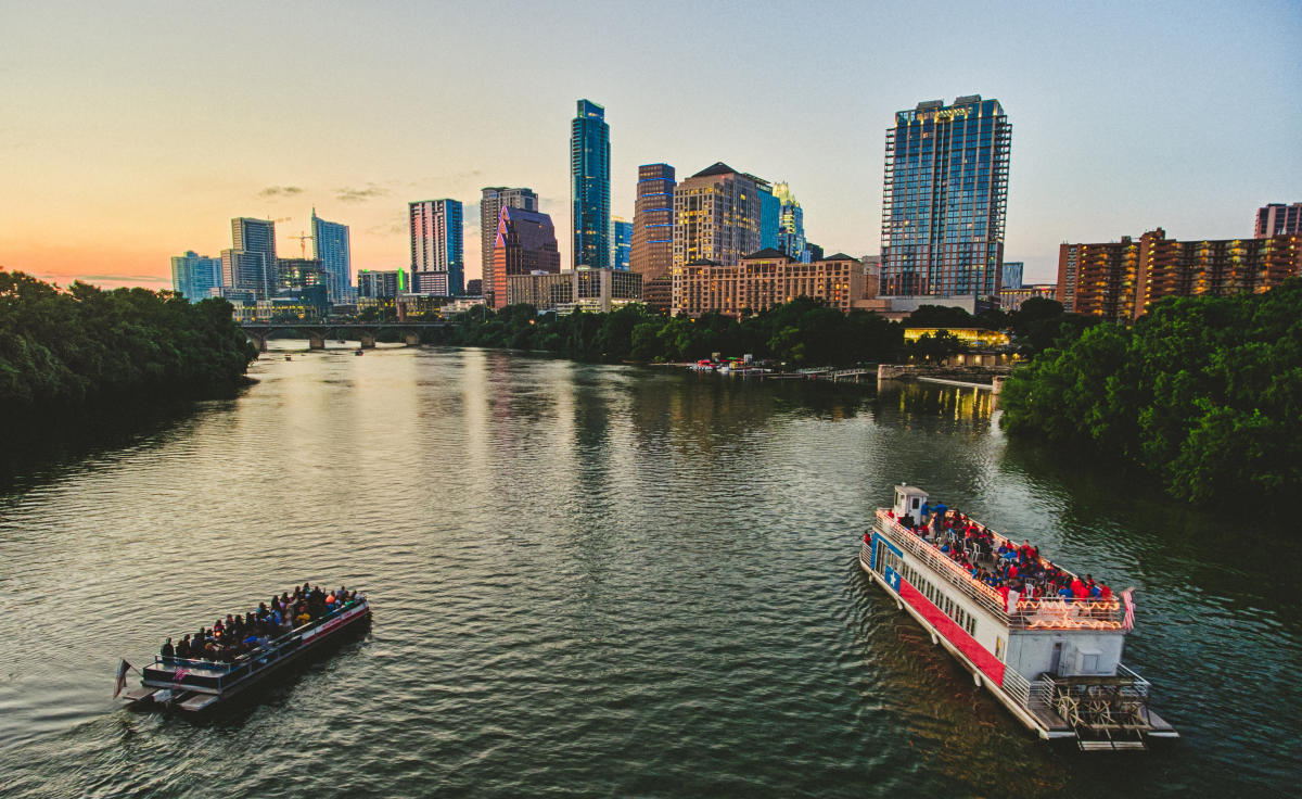 Free Austin, TX Visitors Guide | Austin Hotels, Events, Attractions, Things To Do & More