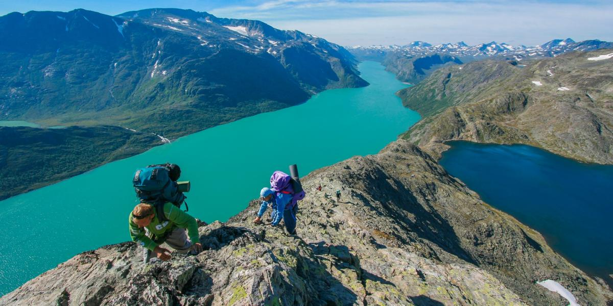 Hiking in the Jotunheimen area | Peaks and parks