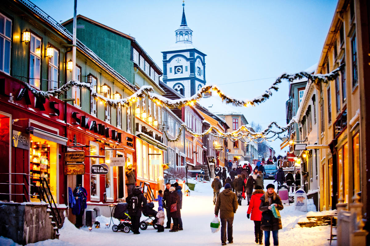 Christmas Market in Røros - Official travel guide to Norway ...