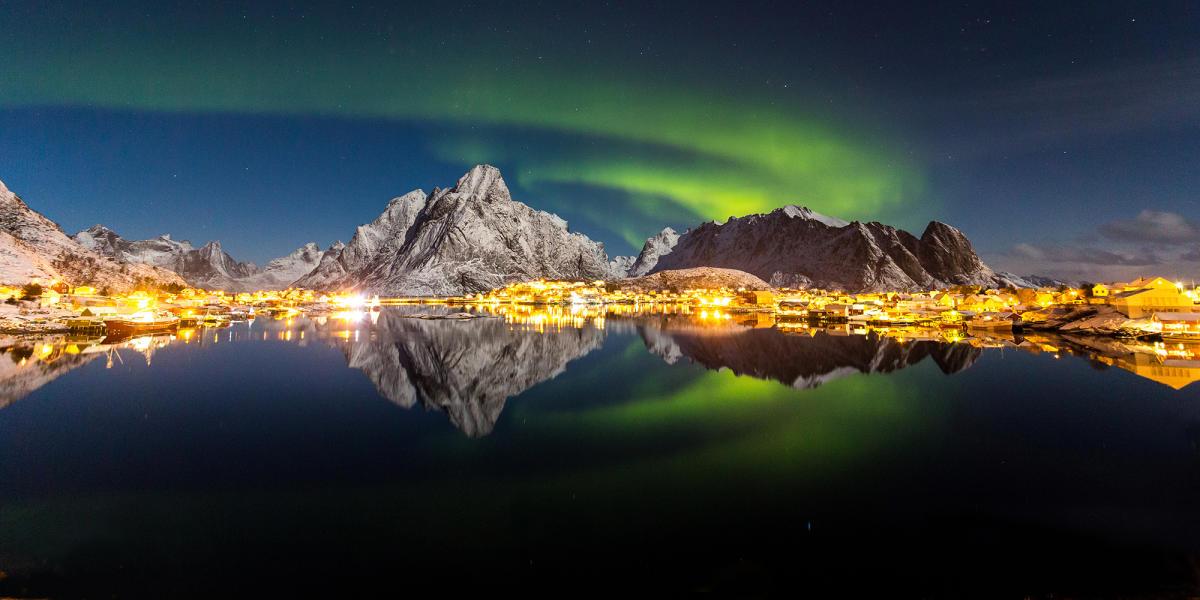 Risultati immagini per isole lofoten aurora boreale