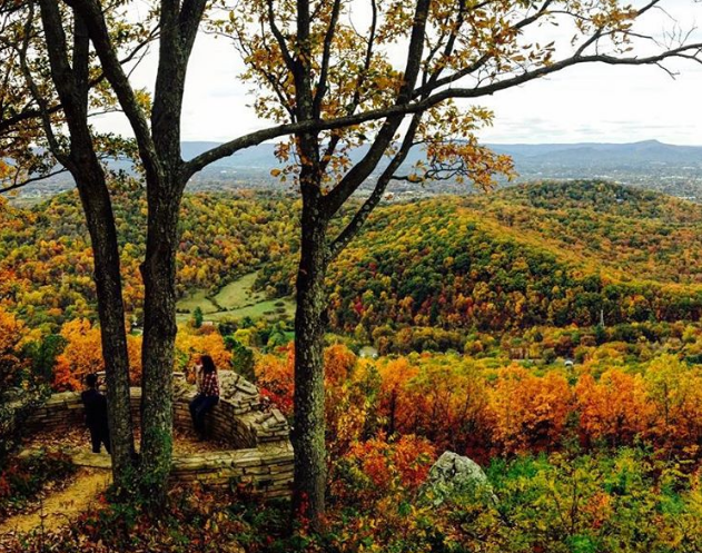 10 Hikes for the Best Fall Colors in Virginia's Blue Ridge