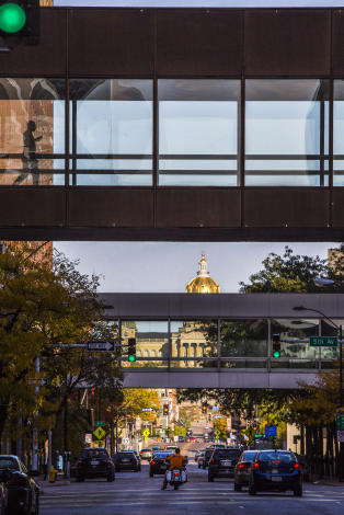 Downtown Des Moines Skywalk and Iowa State Capitol