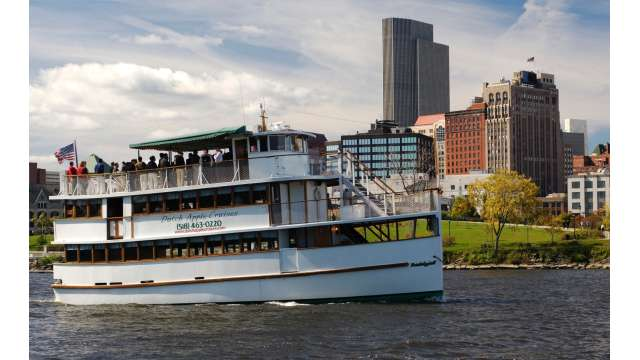 Dutch Apple Cruises in Albany 745