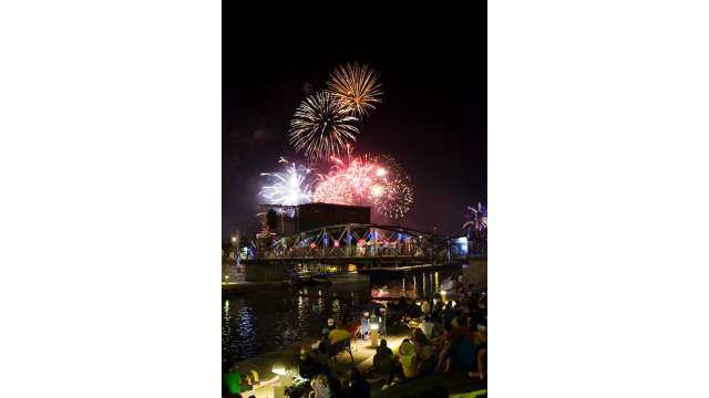 Canalside Waterfront Project in Buffalo - 4th of July Celebration 1700