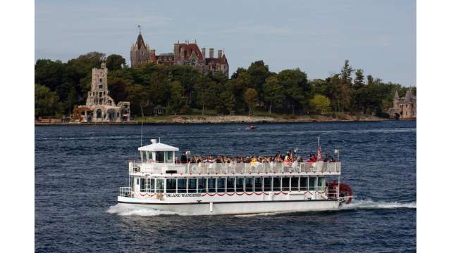 Island Wanderer Boat cruises on the St. Lawrence River w/ Boldt Castle