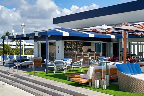 Bahia Mar at Fort Lauderdale Beach has a rooftop bar called High Tide. Its setting is beautiful, with bright colors, greenery and mood-lifting patio that overlooks the Intracoastal Waterway and the Atlantic Ocean.
